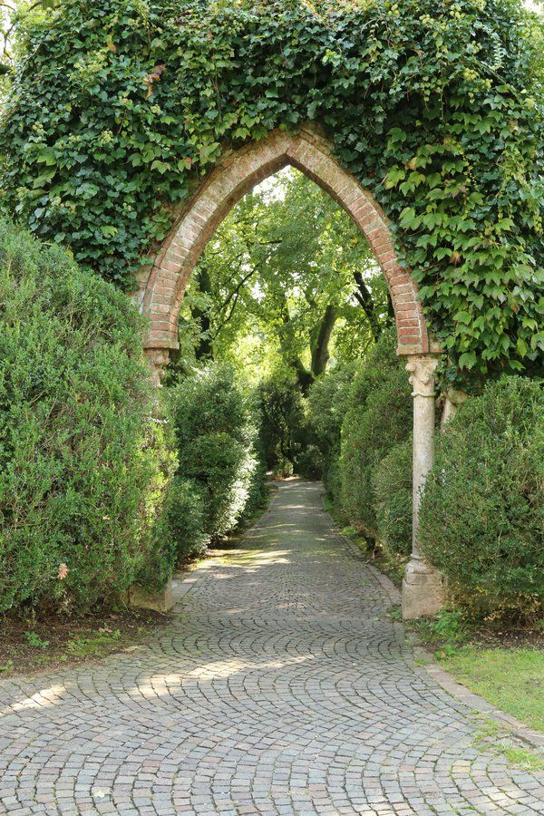 Sigurta Garden Stock 44 by Malleni-Stock free ivy arch ...