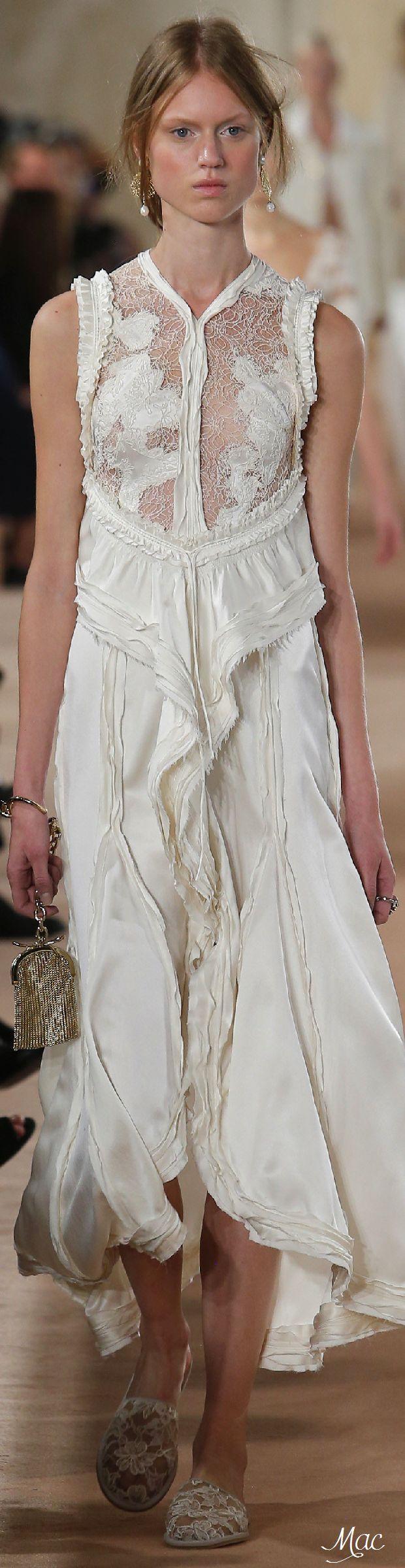 Spring 2016 Ready-to-Wear Balenciaga