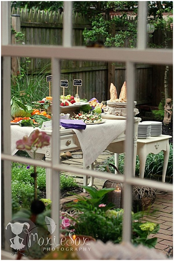lunch in the #garden! ❤️Aline