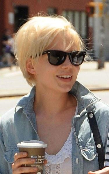 Elegant Michelle Williams Short Blonde Hair.... looking into a hair cut!!!