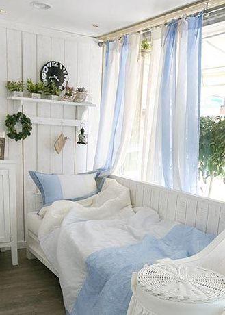 北欧スタイルのお部屋に、おしゃれな夏デザインの取り入れ方いろいろあります! カーテンやラグなどのファブリックや…