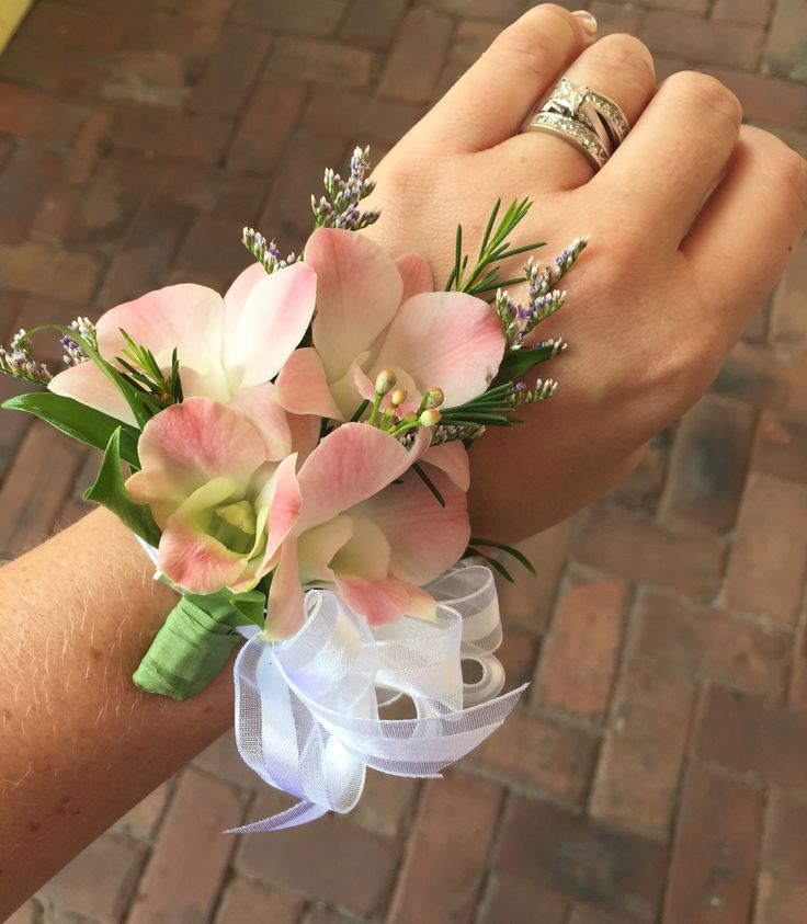 Stem School Prom: 25+ Best Ideas About Orchid Corsages On Pinterest