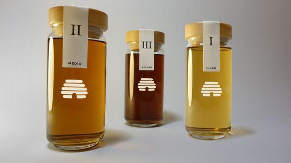 Mel Ibericus Honey by Thomas Nicholas, via Behance. Love the beehive on this #honey #packaging PD