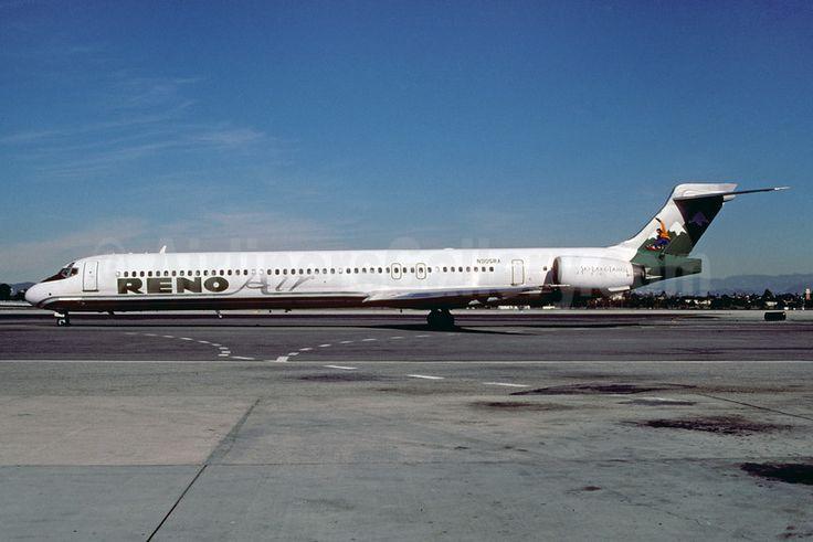 Reno Air McDonnell Douglas MD-90-30 N905RA (msn 53573) (Ski Lake Tahoe) LAX (Roy Lock). Image: 921872.