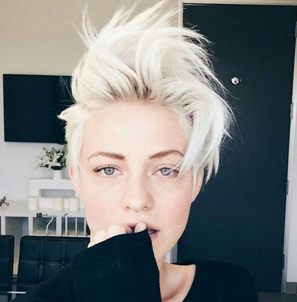 Connu Les 25 meilleures idées de la catégorie Cheveux courts blonds sur  PO57