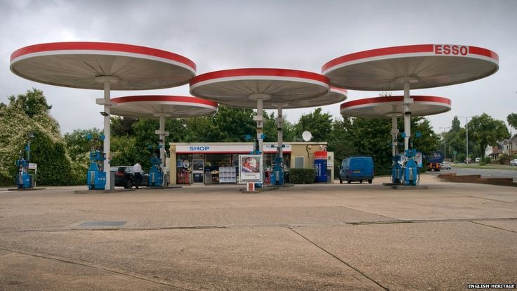 Eliot-Noyes designed Mobil Pegasus canopies station on the A6 at Leicester