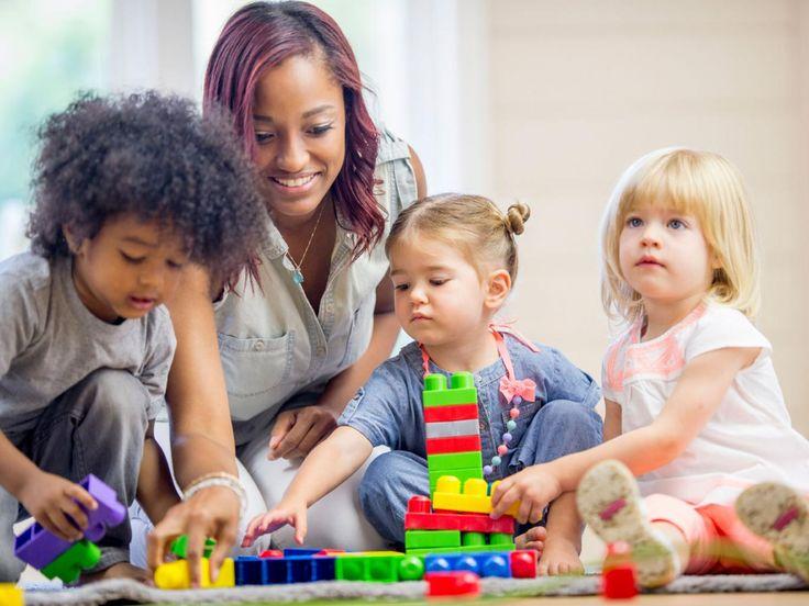 Γιατί τα παιδιά έχουν αδυναμία στις θείες τους; - http://ipop.gr/themata/eimai/giati-ta-pedia-echoun-adynamia-stis-thies-tous/