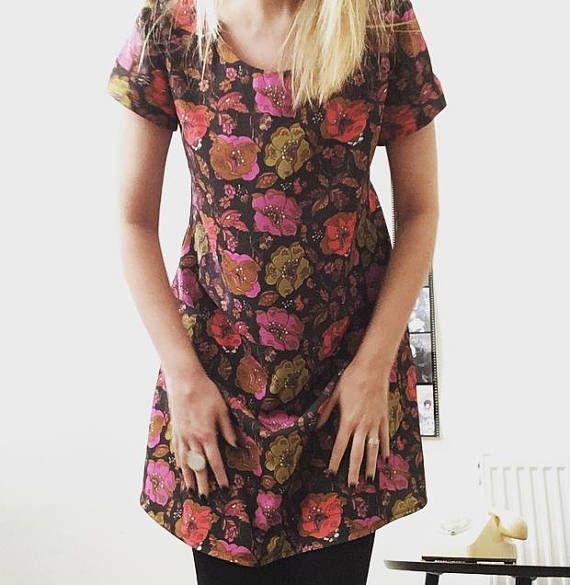 60's Flower Print Dress Printed Swing dress A-line #60'sprintdress #sixtiesladiesfashion #floralprintdress #sixtiesfloral #floralswingdress #handmadedress #madetoorder #flowerdress