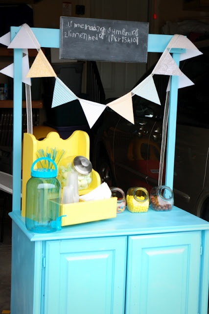 restlessrisa: DIY Lemonade Stand #Kids #summer