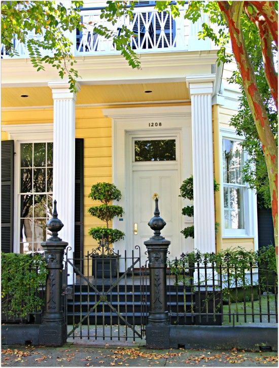 Love This In New Orleans Great Wrought Iron And Color