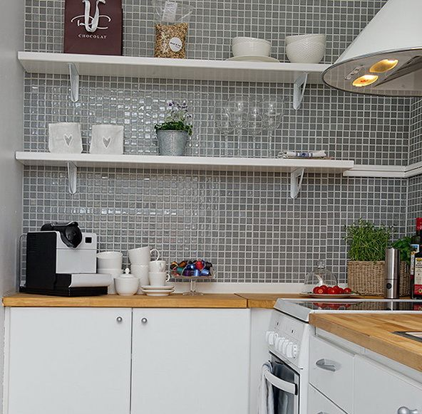 7ccbb  5 beautiful shelves Small apartment in Sweden home design