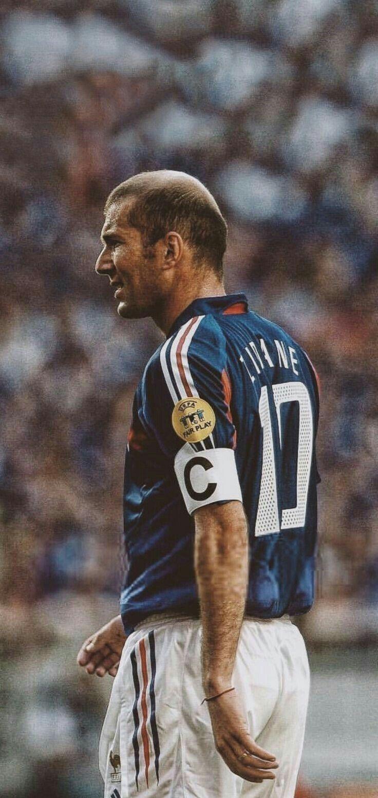 Pin By Ahammad Tausif Mayeen On Footballzz In 2020 Ronaldo Football Zinedine Zidane Football Boys