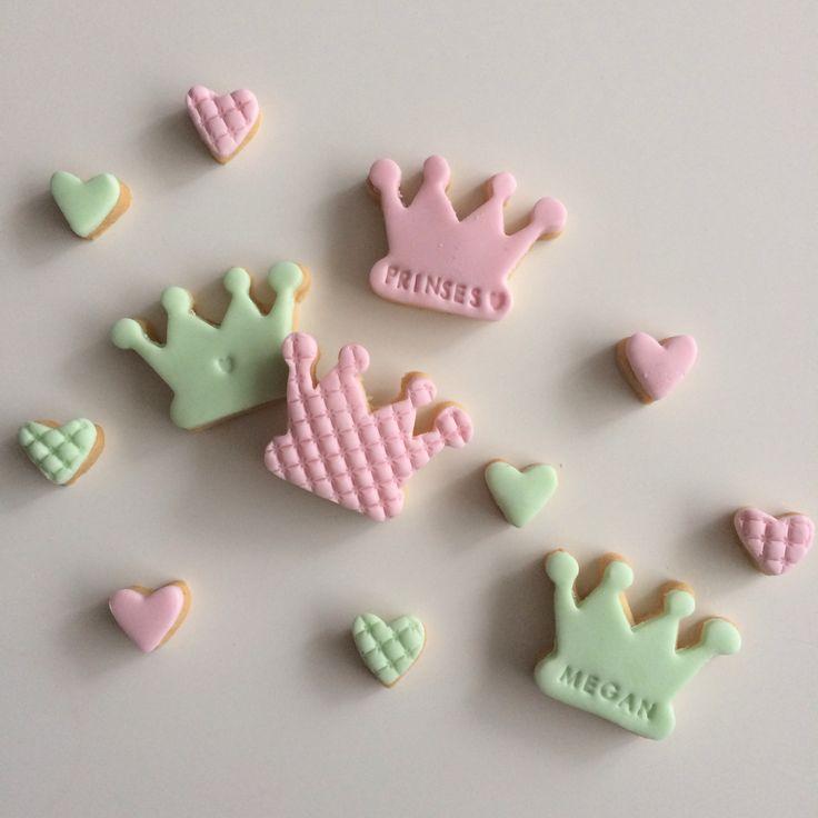 Homemade cookies, koekjes, bakken, traktatie, prinses, kroon