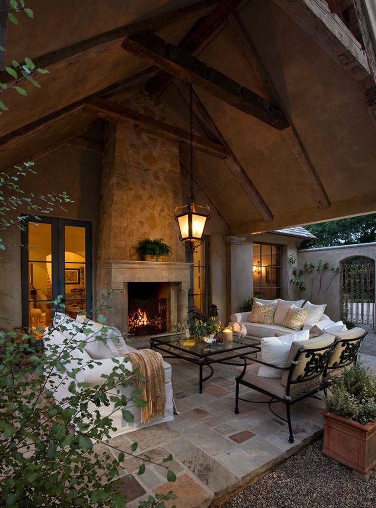 44 Traditional outdoor patio designs to capture your imagination