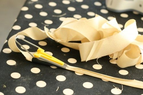 Continuous Bias Tape tutorial -- I should really start making my own bias tape!