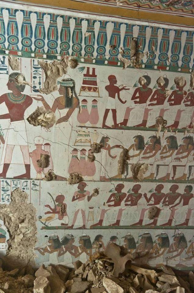 Descubren dos tumbas egipcias llenas de murales prácticamente intactos