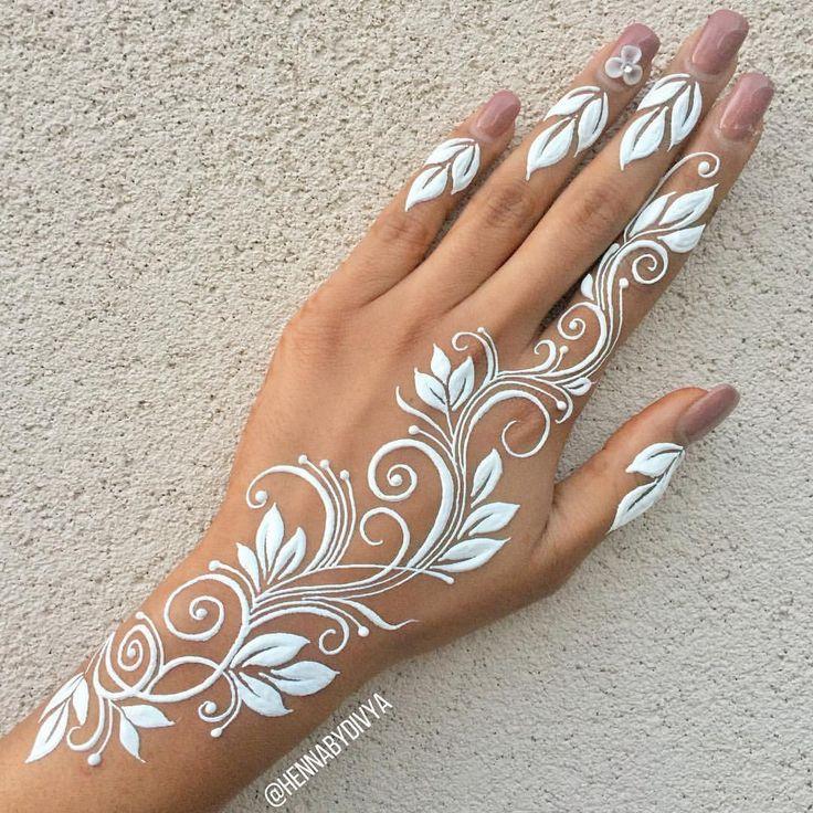 Flower vine henna