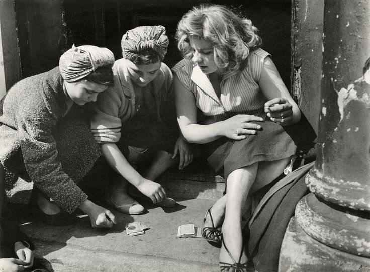 Roger Mayne's Brilliant Post-War Street Photography
