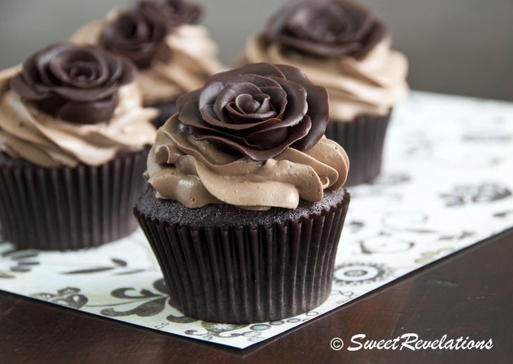 Chocolate roses with a recipe for molding chocolate