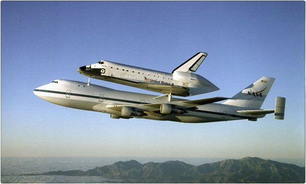 ¿Por qué un avión no puede volar al espacio? También te decimos cómo escribe un astronauta en el espacio. http://quo.mx/preguntas-inteligentes/2014/02/12/por-que-un-avion-no-puede-volar-al-espacio