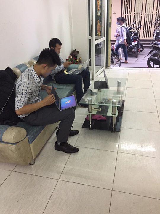 30/4 khách không nghỉ lễ lại đến LaptopF1 mua hàng. Cảm ơn khách iu đã quan tâm và ủng hộ LaptopF1 ạ😘😘😘. #tablet #smartphone #android #windows #3dprinting #gaming
