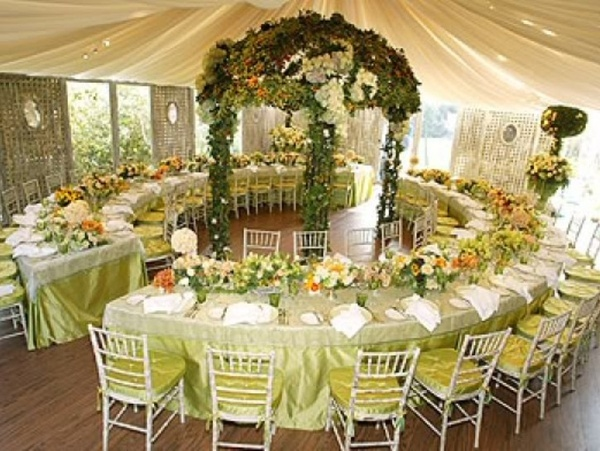 Serpentine Wedding Tables party-ideas  Beautiful!