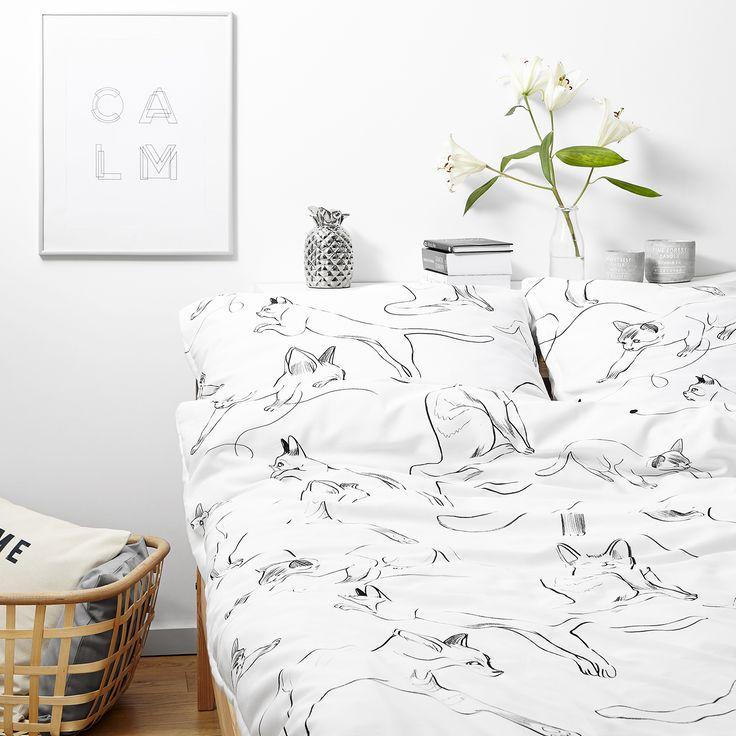 White pocket cats bedding #bedroom #scandinavian