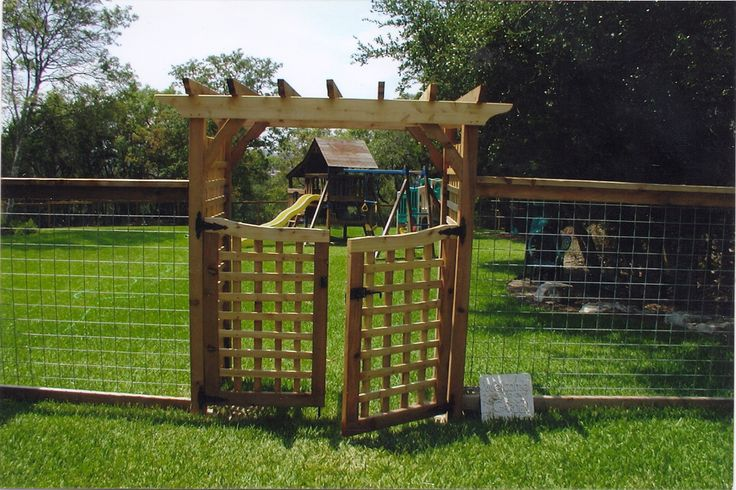 Build a double wood gate woodworking projects plans for Gate arbor plans