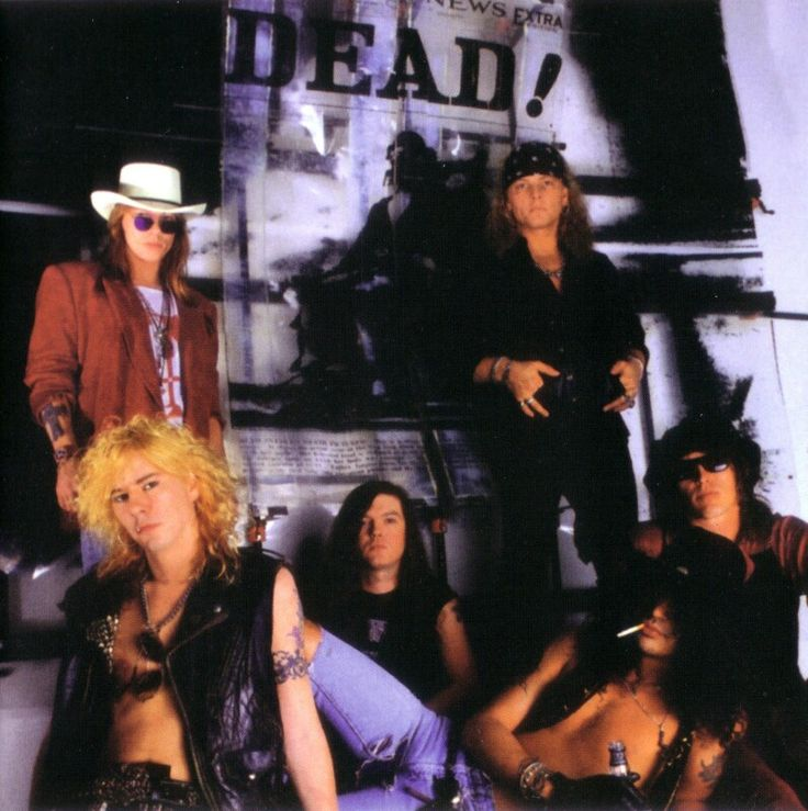 Guns N' Roses: W. Axl Rose, Duff Mc Kagan, Dizzy Reed, Matt Sorum, Slash, Izzy Stradlin (Use Your Illusion era)