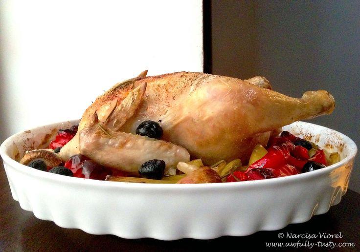 Pui in stil italian cu ardei si masline negre.  Italian roast chicken with peppers and olives. Nigella Lawson recipe.