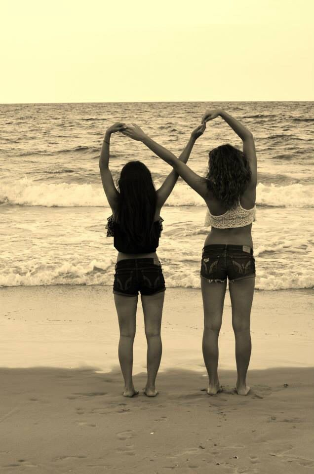 Infinity best friends beach picture