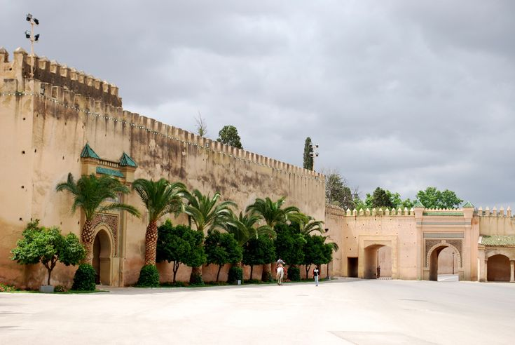 http://travelezecouk.weebly.com/traveleze-weebly-blog/2-must-see-flirtatious-regions-jerez-de-la-frontera-spain-meknes