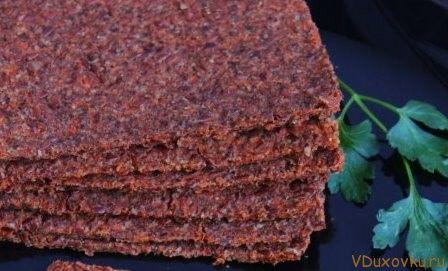 Вегетарианские и сыроедческие рецепты / Сыроедческие хлебцы из морковного жмыха и льна