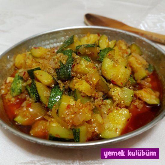TARİF : Bulgurlu Kabak Kavurması Tarifi   #bulgur #bulgurlu #kabak #kabaklı #kavurma #yemek #yemektarifi #yemektarifleri   Bulgurlu Kabak Kavurması Tarifi nasıl yapılır? Resimli Kabak Kavurması Tarifi anlatımı için tıklayın. Yapılması kolay sağlıklı diyet sebze yemekleri tarifleri.