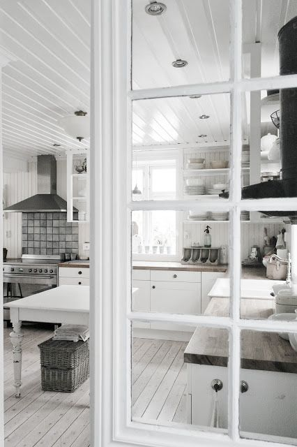 Vicky's Home: Una cocina sencilla y cálida de estilo vintage /A simple and warm vintage style kitchen