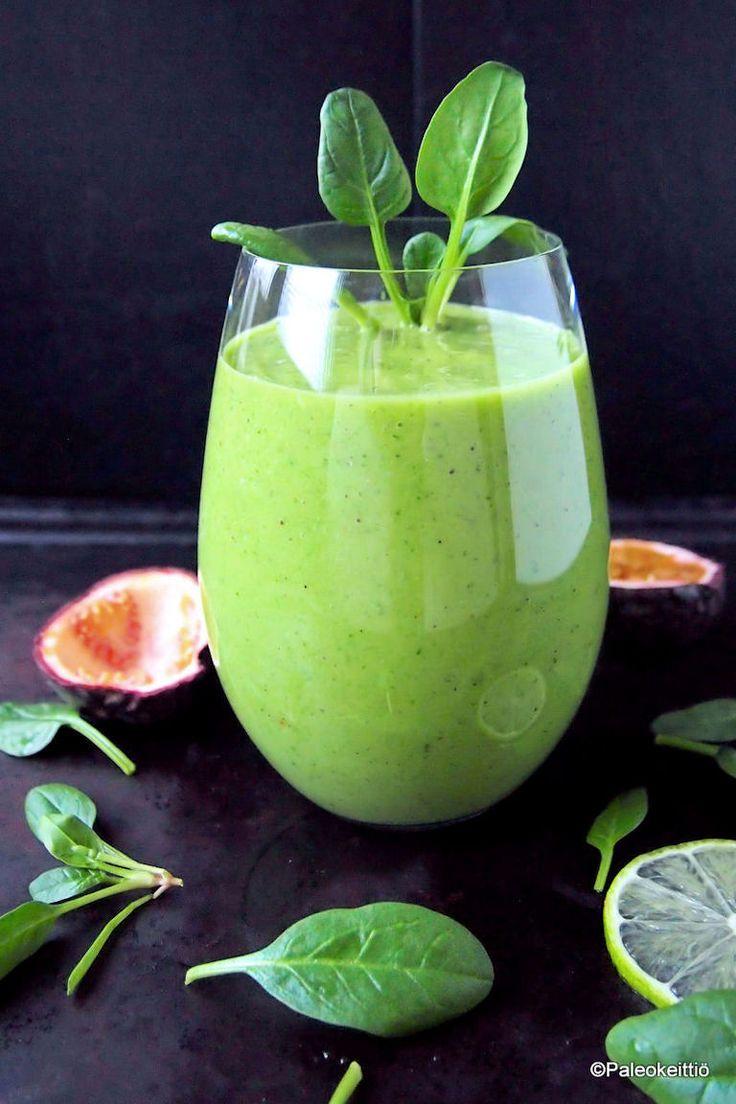 Virkeän kirpeä viherpirtelö /// Virkeän kirpeästä, trooppisilla hedelmillä makeutetusta viherpirtelöstä on hyvä aloittaa taival kohti kevyempää kesää. On keväisen vihreää ja maistuu mukavan raikkaalta!