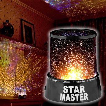 Star master led gece lambası içinde bulunan iki adet ampul ile otomatik olarak renk değiştirebilme özelliğine sahiptir bu sayede odanızda romantik bir ortam yaşamaya nedersiniz..  Star Master Projeksiyon Gece Lambası 16.90TL    http://www.budurr.com/Star-Master-Projeksiyon-Gece-Lambasi_25