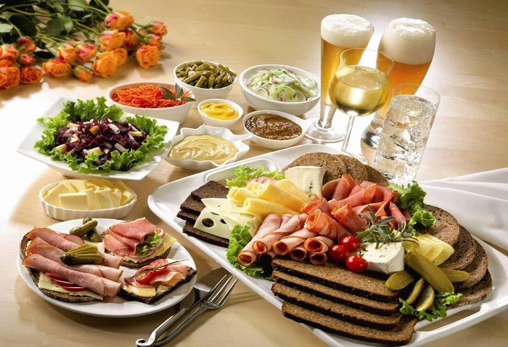 a feast - remember this for 'brotzeit'