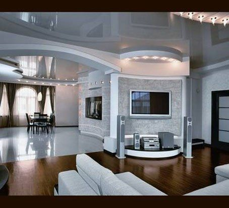 Зеркальный потолок и телевизор. Таких размеров, чтобы не отвлекал нам от самого главного- друг от друга