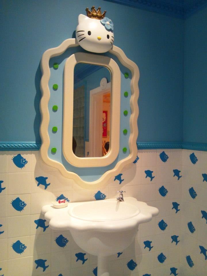 Hello kitty bathroom <3
