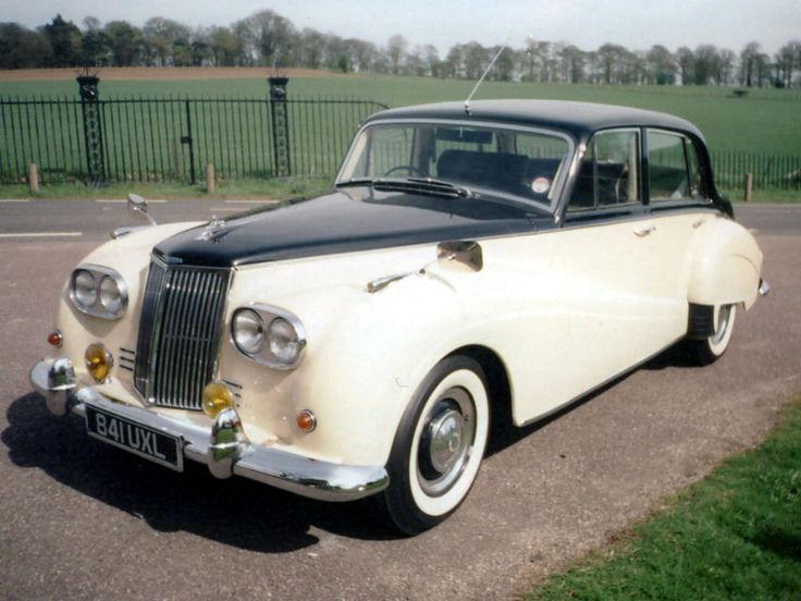 1960 Armstrong Siddeley Star Sapphire Mark II. So, how many people actually remember Armstrong Siddeley .... or that they were made in Coventry. This car was the prototype, with four headlamps, which was due to be exhibited at the 1960 Earls Court Motor Show ... until the company decided to pull out of manufacturing cars per se
