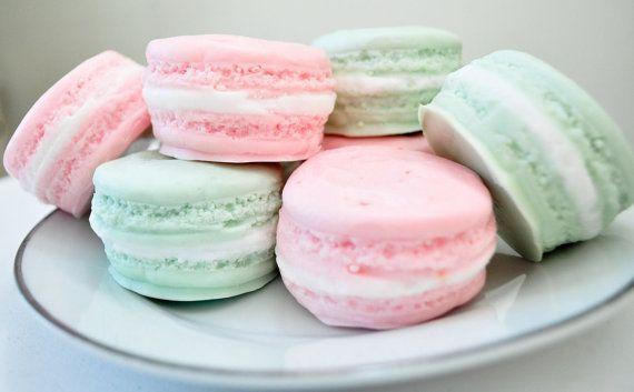 French Macaron Soaps: Pink Macaroons, Wedding Favors, Mint Green, Macaroons Soaps, Macaron Soaps, Pastel Pink, French Macaroons, Pastel Macaroons, French Macaron