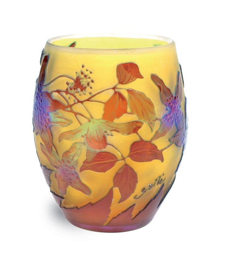 Emile Gallé - Vase in glass cameo