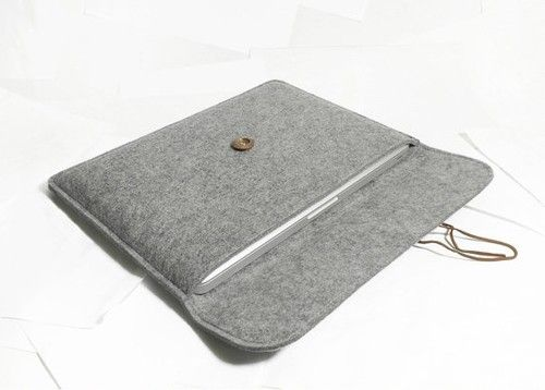 """Wooden Button with Wool Felt Case Sleeve Bag for Macbook pro 13"""""""