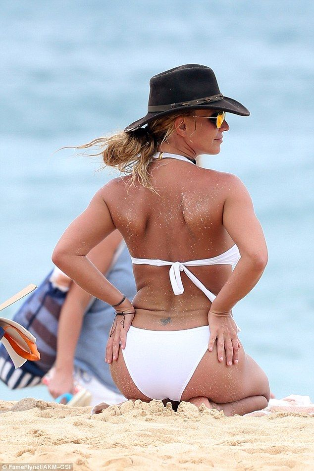 Britney Spears sizzles in sexy white bikini during ...