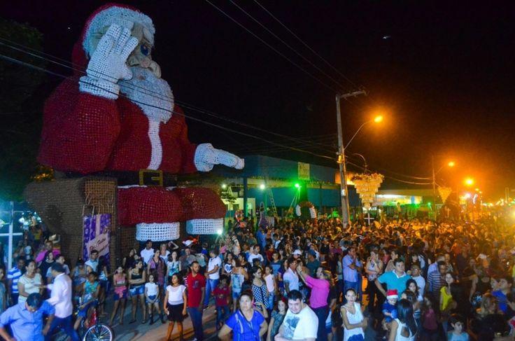 Ji-Paraná já está mais bela com iluminação natalina; FotosJi-Paraná já está mais bela com iluminação natalina; Fotos - Cidades - Rondoniagora.com - As notícias de Rondônia e Região