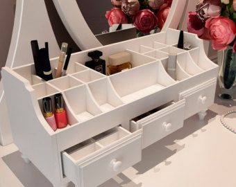 Estación de belleza organizador de maquillaje por DREVOCreations