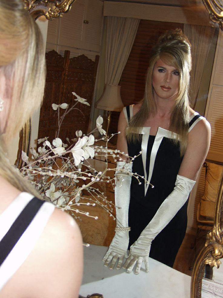 Go to the mirror boy! Go to the mirror boy! #Crossdresser, #Sissy, #Transvestite
