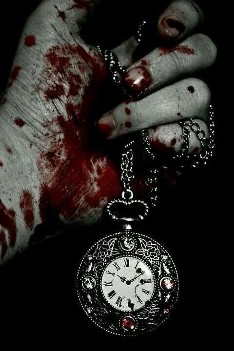 Депрессия, печаль, кровь, часы