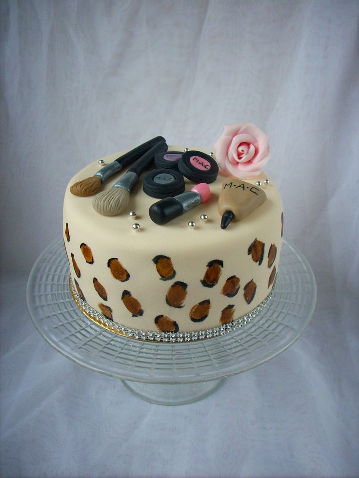 Cake for a beautician